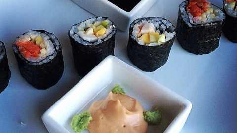 Smoked Salmon and Apple Sushi with Spicy Asian Mayo